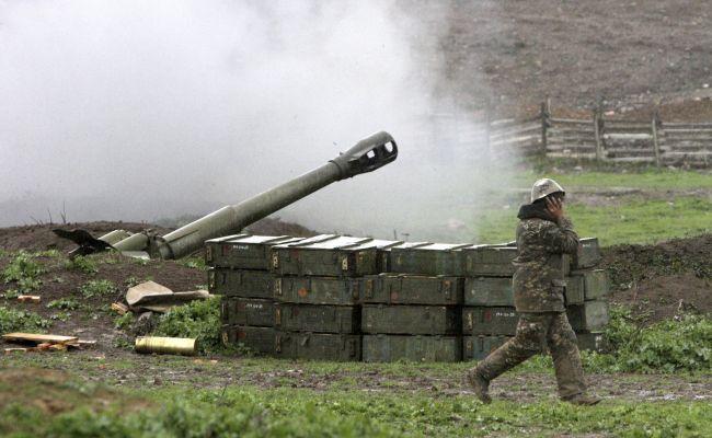 В Нагорном Карабахе началась новая война: Степанакерт под огнем