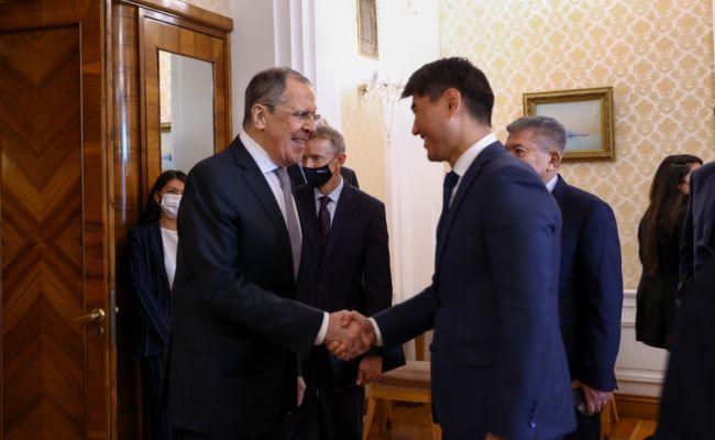 Глава МИД Киргизии: Россия оказала всестороннюю помощь вборьбе свирусом
