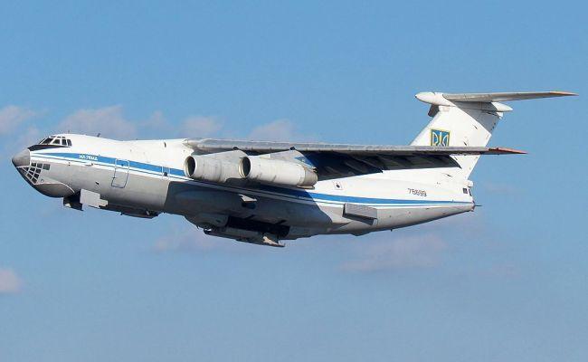 Украинский самолет неизвестные угнали из Кабула в Иран: за левый рейс