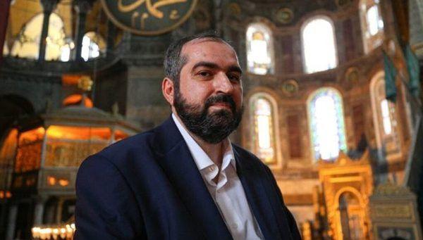 Турецкий имам отправил желающих молиться вСвятой Софии «вГрецию или Армению»
