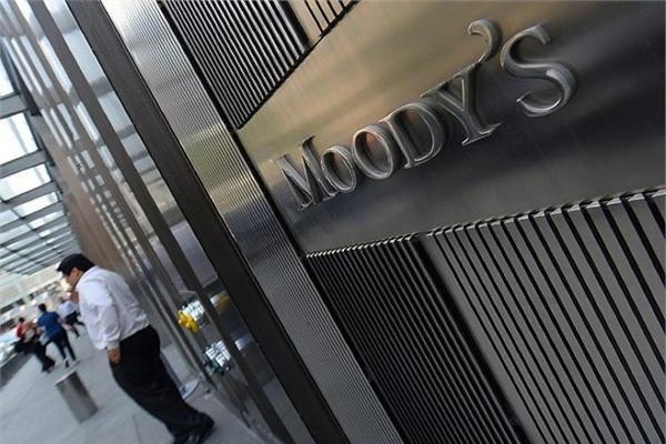 Moody's впервые за два года повысило кредитный рейтинг Греции