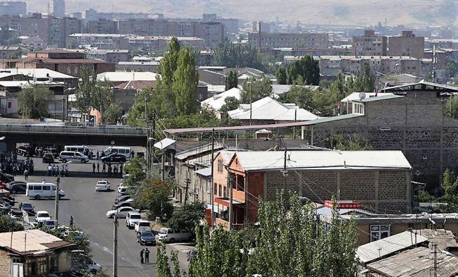 Пашинян: Захватившая отделение полиции в Ереване группа не собирается сдаваться