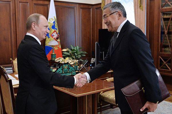 Новый формат общения президента с регионами протестируют на главе Калмыкии