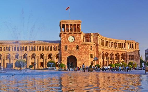 Публицист: Программа Правительства Армении написана непонятным для граждан языком