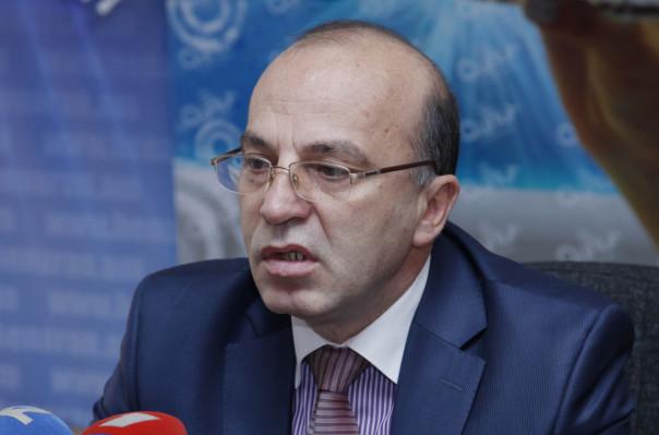 Татул Манасерян осудил заявления депутатов НС Армении Хосрова Арутюняна и Акопа Акопяна о бедняках