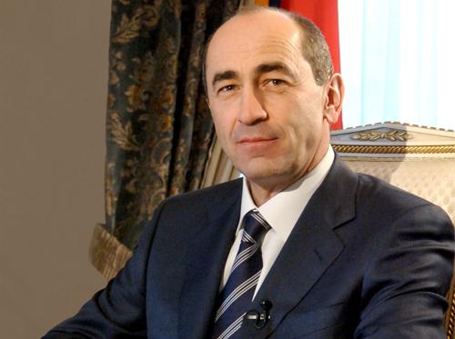 «Грапарак»: Экс-президент Армении в очередной раз стал дедушкой