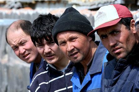 Переводы от гастарбайтеров в Таджикистан сократились на треть