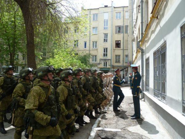Доброе дело: в Самаре провели парады Победы для ветеранов у них под окнами