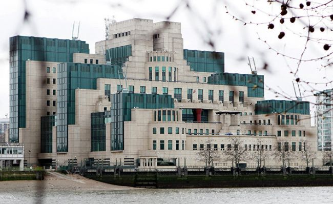 Глава MI6: Британии нестоит преувеличивать угрозы состороны России