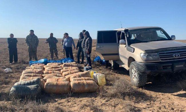 Казахстанские полицейские задержали машину с700кг наркотиков
